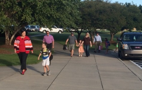 Student and parents alike rush into RMA ready and excited to kick off the school year.